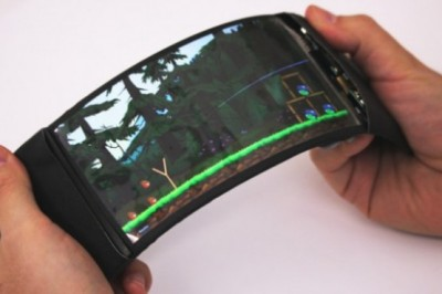 This flexible smartphone lets you interact with applications based on fold